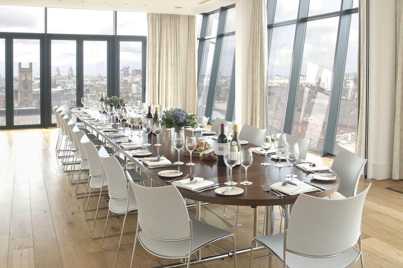 mobilier de restauration : chaise de restaurant, table de restaurant